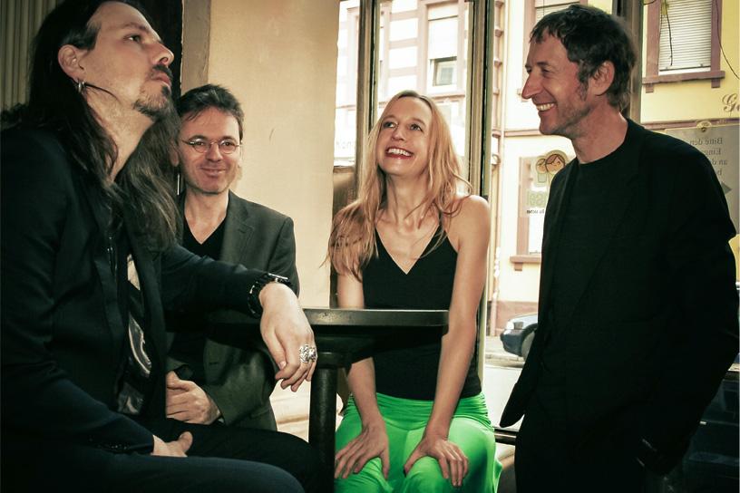 Musikband Marenka im Cafe